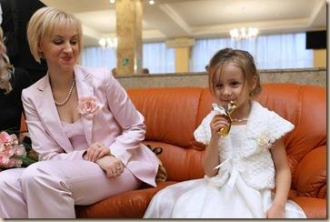 На диванах Дворца Бракосочетания 4